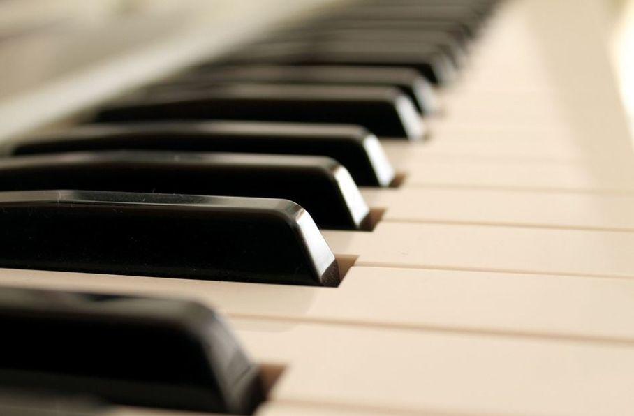 jouer piano facile